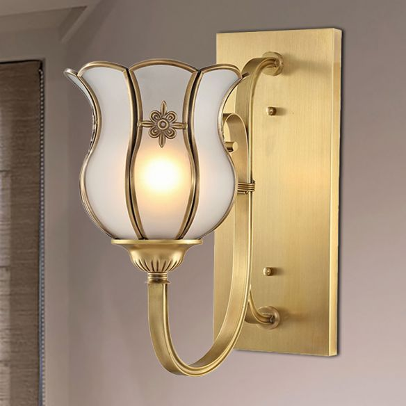 1-Head Metal Wall Light Traditionalism Brass Flower Living Room Wall Sconce Lighting with Bevel Glass Shade Wall Lamps & Sconces h87BT